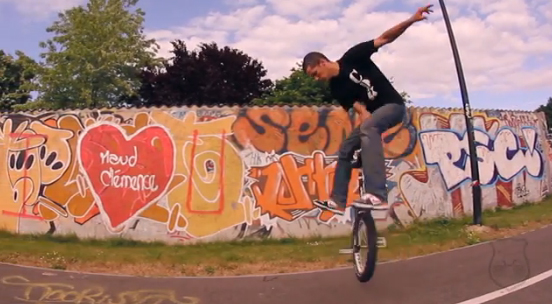 Unicycling is not a crime – Bobousse
